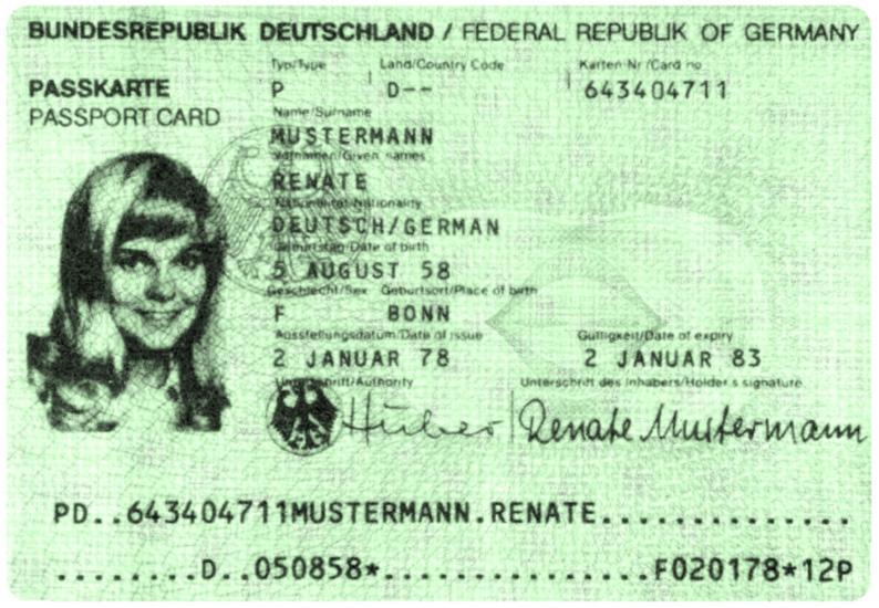 """ein auf eine fiktive """"Renate Mustermann"""" mit dem Datum 2.1. 1978 ausgestelltes Passdokument"""